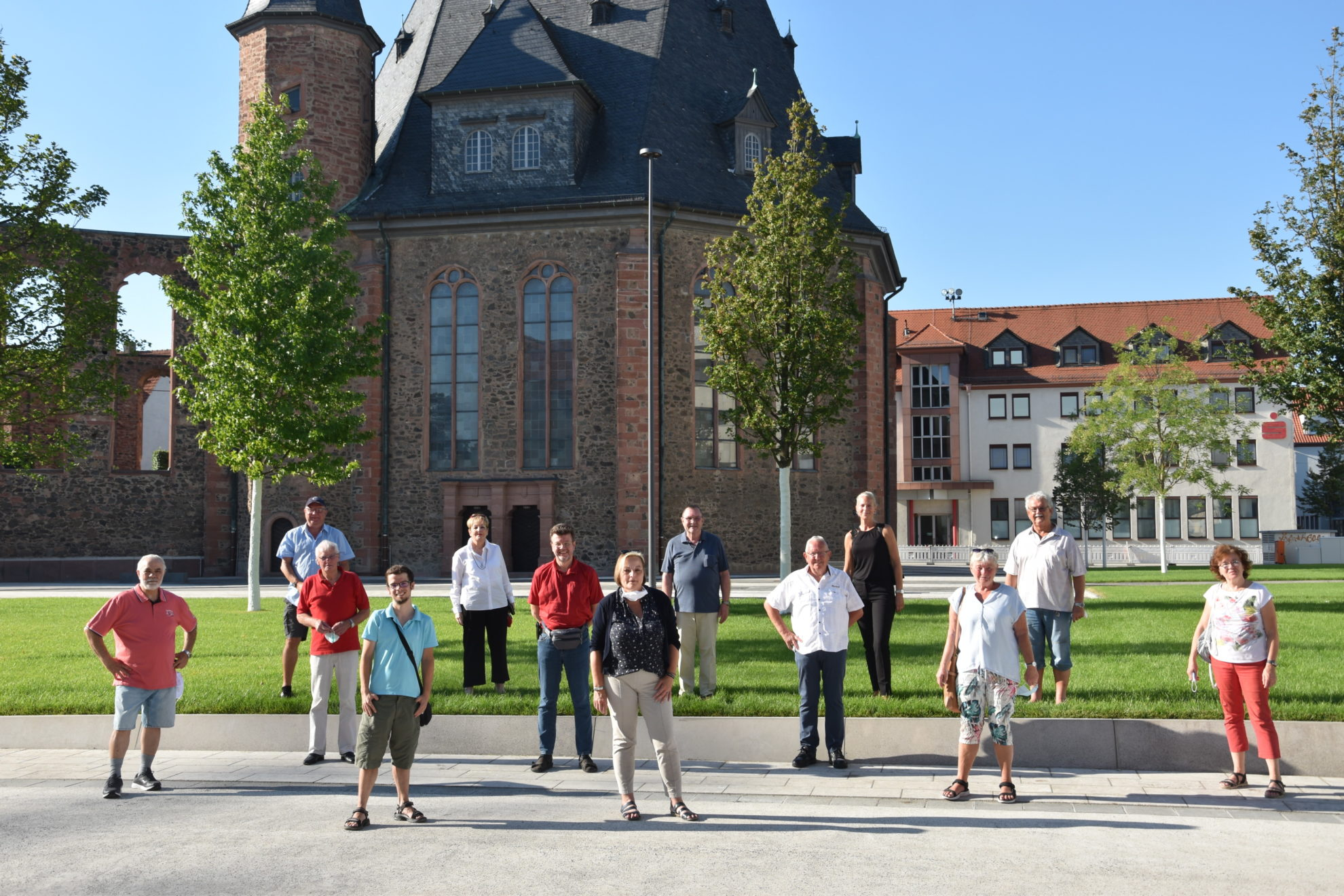 Die Fraktion besucht den neu gestalteten Platz